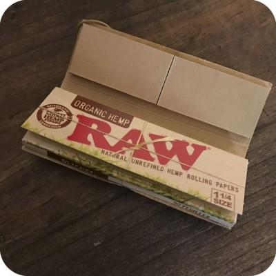 Organic Hemp Rolling Papers Tips Included